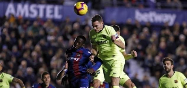 d6e457094aa75 FC Barcelona dnes oficiálne informovala o tom, že Thomas Vermaelen sa opäť  zranil. Zranenie utrpel vo včerajšom zápase s Levante. Ide o veľmi zlé  správy.